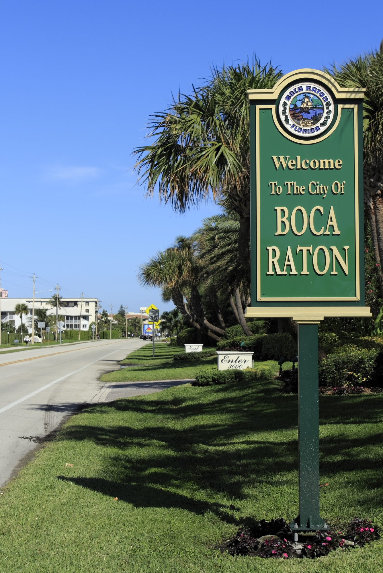 Image of welcome sign at the town line of Boca Raton, Fl
