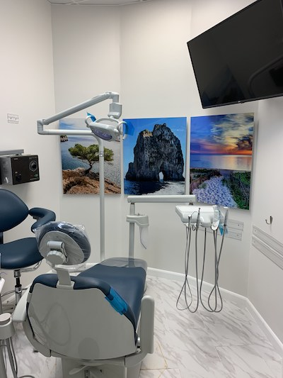 Image of treatment room where general dentistry services are performed at Boca Smile Center.
